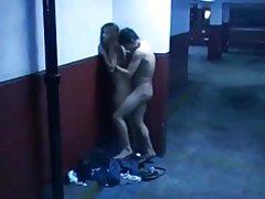 フェラと公共の駐車場でセックス