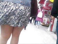 ビデオ私の最初のアップ スカート:)