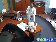 Fakehospital 小柄な赤毛の性的スキルは医師兼