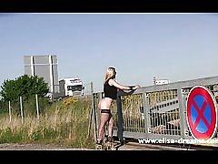 点滅し、裸写真撮影のための公共の場で